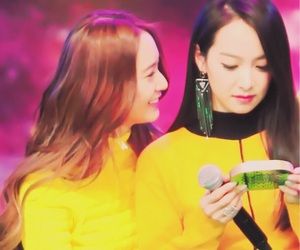 crystal, victoria, and f(x) image