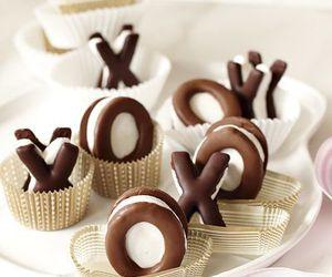 chocolate and xoxo image