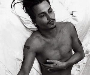 black and white, depp, and Hottie image