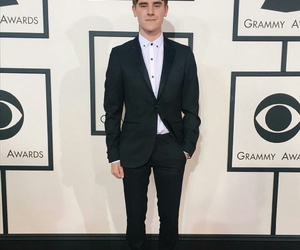 connor franta and youtuber image