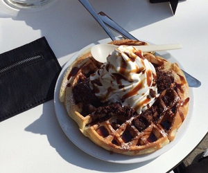 food, waffles, and yummy image