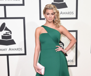 red carpet, 2016, and grammy awards image
