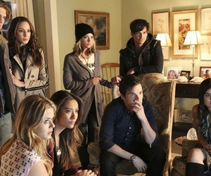 pretty little liars, spencer hastings, and alison dilaurentis image