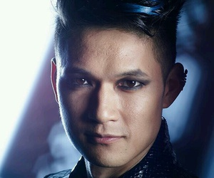 shadowhunters and magnus bane image