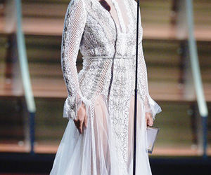 beyonce knowles, dress, and grammys image