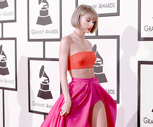Taylor Swift, grammys, and beauty image