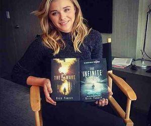 chloe grace moretz, book, and movie image