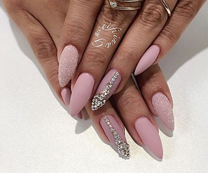 nails and longnails image