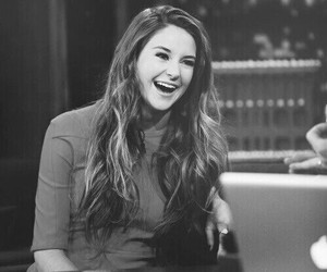 Shailene Woodley, divergent, and actress image