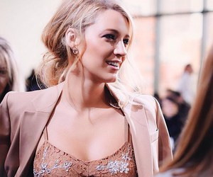 blake lively, rose gold, and gossip girl image