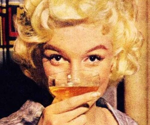 cheers, drinking, and Marilyn Monroe image