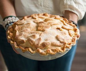 apple and pie image