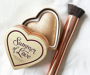 makeup, beauty, and bronze image