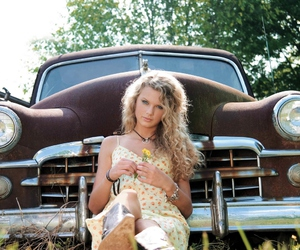 Taylor Swift, car, and country image