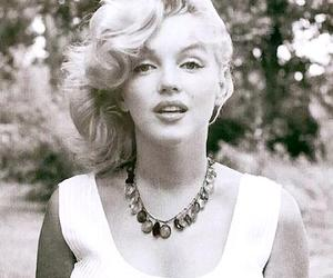 Marilyn Monroe, marilyn, and black and white image
