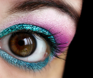 bright, brown eye, and colorful image