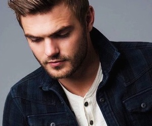the 5th wave and alex roe image