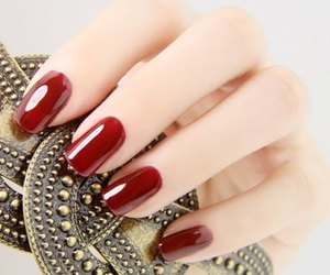 glossy and nails image