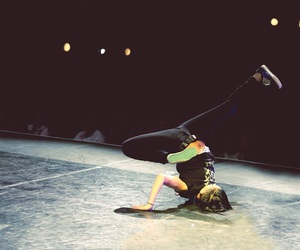 breakdance, dance, and minzy image