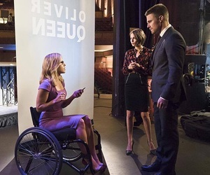arrow, oliver queen, and thea queen image