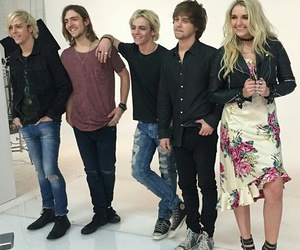 r5, riker lynch, and ross lynch image