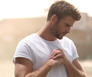 Hot and liam hemsworth image