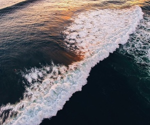 ocean and waves image