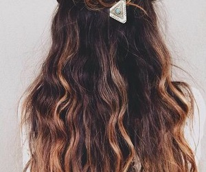 beauty, hairpin, and hairstyle image