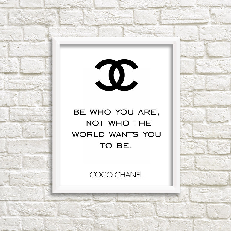 Wall Coco Chanel Quote