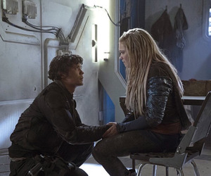 the 100, bellarke, and clarke image