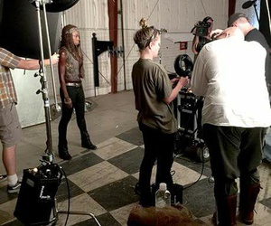the walking dead, michonne, and detras de escena image