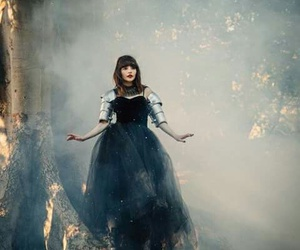 lauren mayberry, chvrches, and martin doherty image