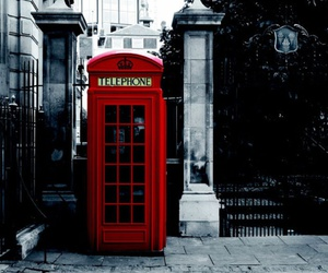 london and red image