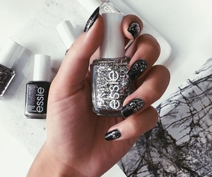 black, nails, and essie image
