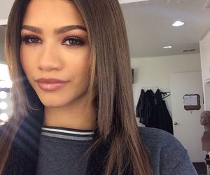 zendaya, beauty, and makeup image