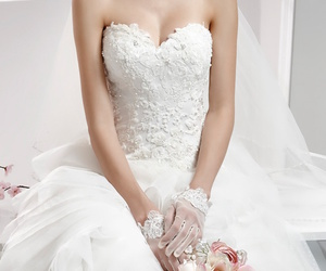 beautiful, glamour, and bouquet image