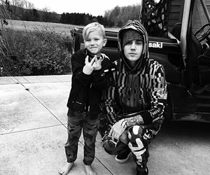 justin bieber, brothers, and justin image