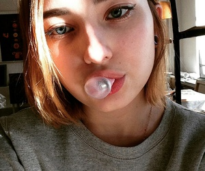 beauty, gum, and girl image