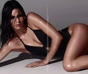 body, Calvin Klein, and kendall jenner image