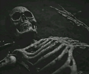 dead and skeleton image