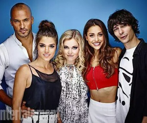 the 100 and cast image
