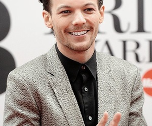louis tomlinson, one direction, and brits image