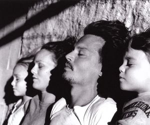johnny depp, family, and vanessa paradis image