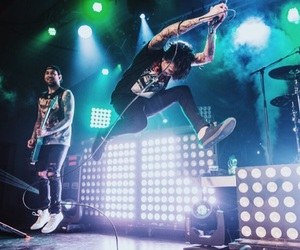 kellin quinn, sleeping with sirens, and jack frowler image