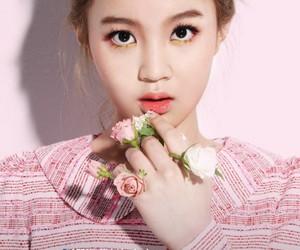 lee hi, kpop, and fashion image