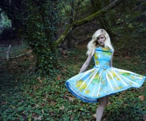 Kirsten Dunst, dress, and vogue image