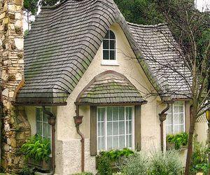 cottage and ladysuzanne image
