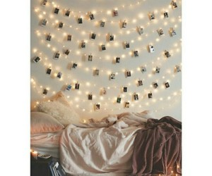 light and room image