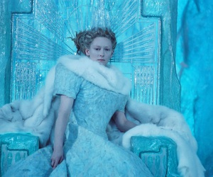 blue, frozen, and throne image