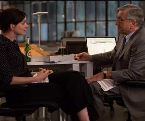 Anne Hathaway, robert de niro, and the intern image